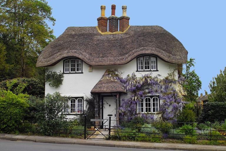 Beehive Cottage, Lyndhurst, Grã-Bretanha. O cottage é uma casa rural típica inglesa