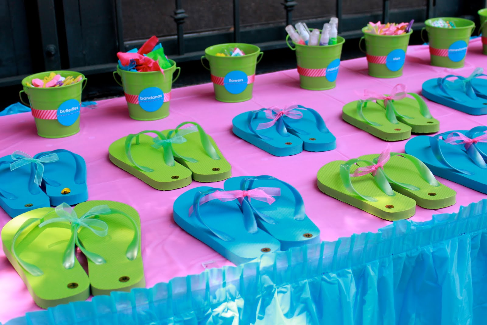 Tween Amp Teen Party Ideas Surf S Up Amp Bollywood Design