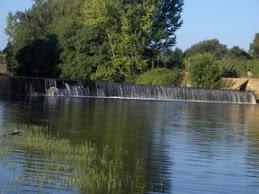 Rio Tuela em Vale de Juncal