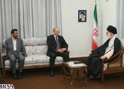 Ahmadinejad, Putin i Chamenei