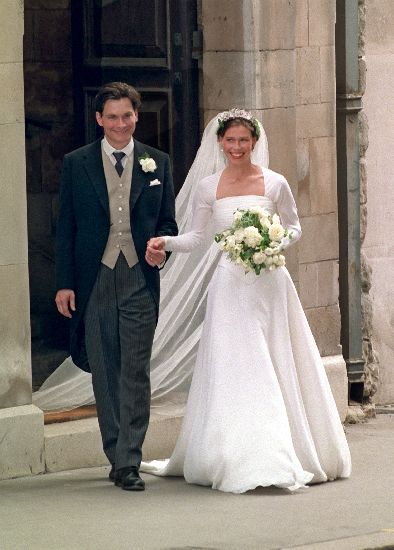 The royal order of sartorial splendor flashback friday for Sarah seven used wedding dress
