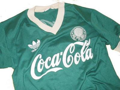 eb0609ff0b O patrocínio Coca-Cola figurou em nossa camisa de 1989 a 1991. Como nasci  em 75
