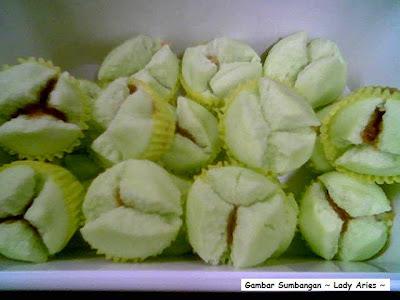 Resipi ini dari Saudari Lady Aries Coconut Blossom yang berintikan