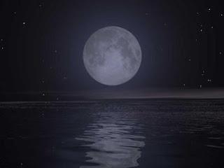 Ojos de media luna la luna llena y la vela roja for Cuando es luna llena
