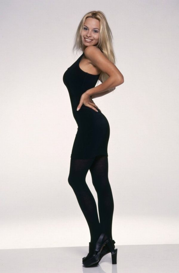 Amusing Pics Young Pamela Anderson