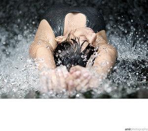 [wet_wet_wet_2_by_amirphotography.jpg]