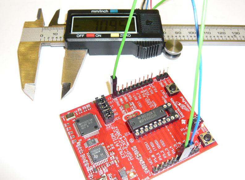 Robocombo - Robotic and Electronic Experiments: Interfacing TI