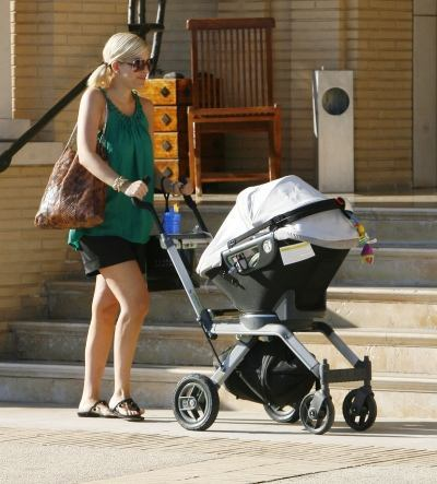 We Know Tori Spelling Has A Collection Of Shoes But Are Starting To Wonder If There S Stroller Hidden Somewhere In Her House Too