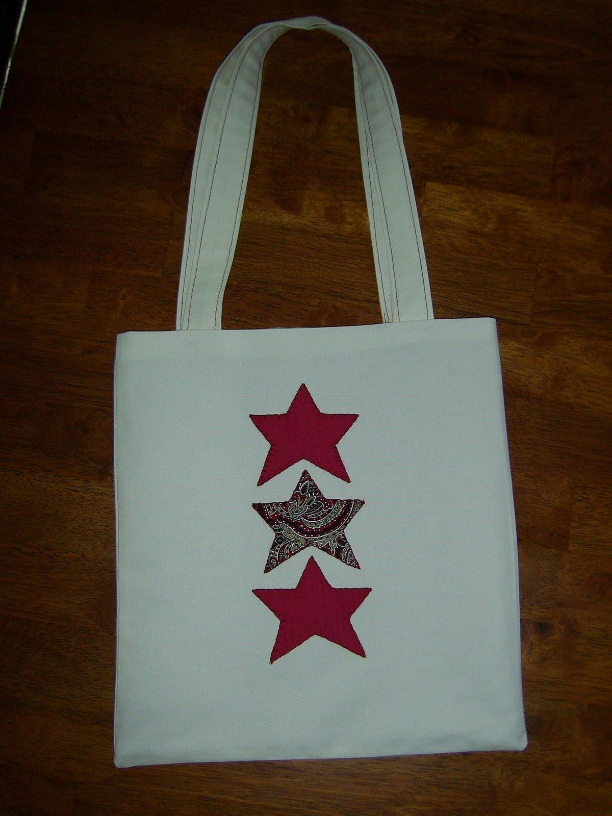 [red+star+tote.jpg]