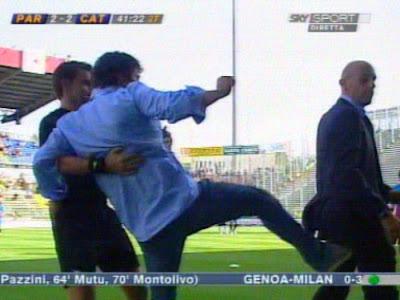 Baldini dà un calcione a De Carlo