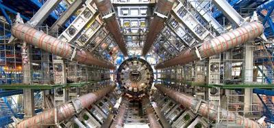 8 LHC entra en funcionamiento: es el fin del mundo?