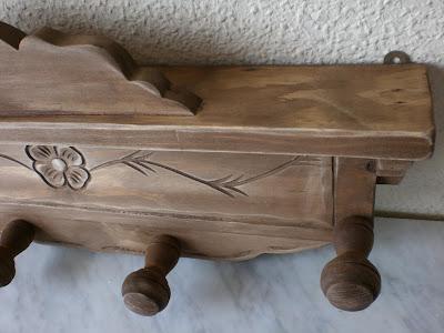 Artesan a r stica en madera perchero de madera tallado a - Percheros de madera ...