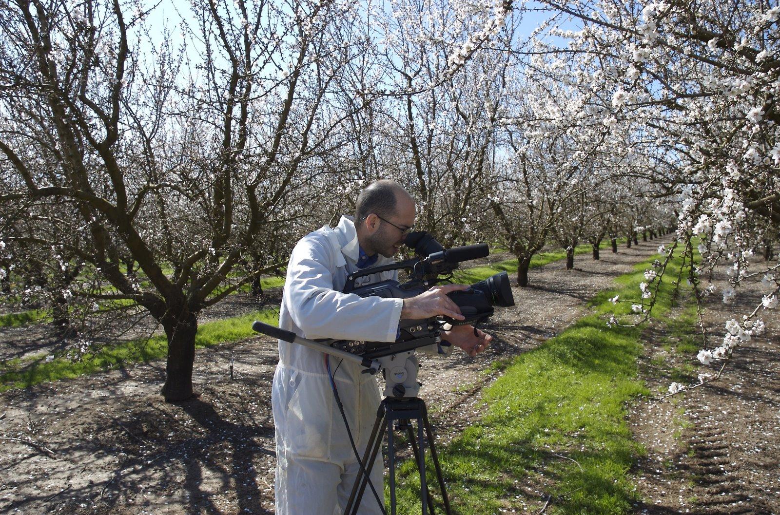 [josh+in+orchard.jpg]