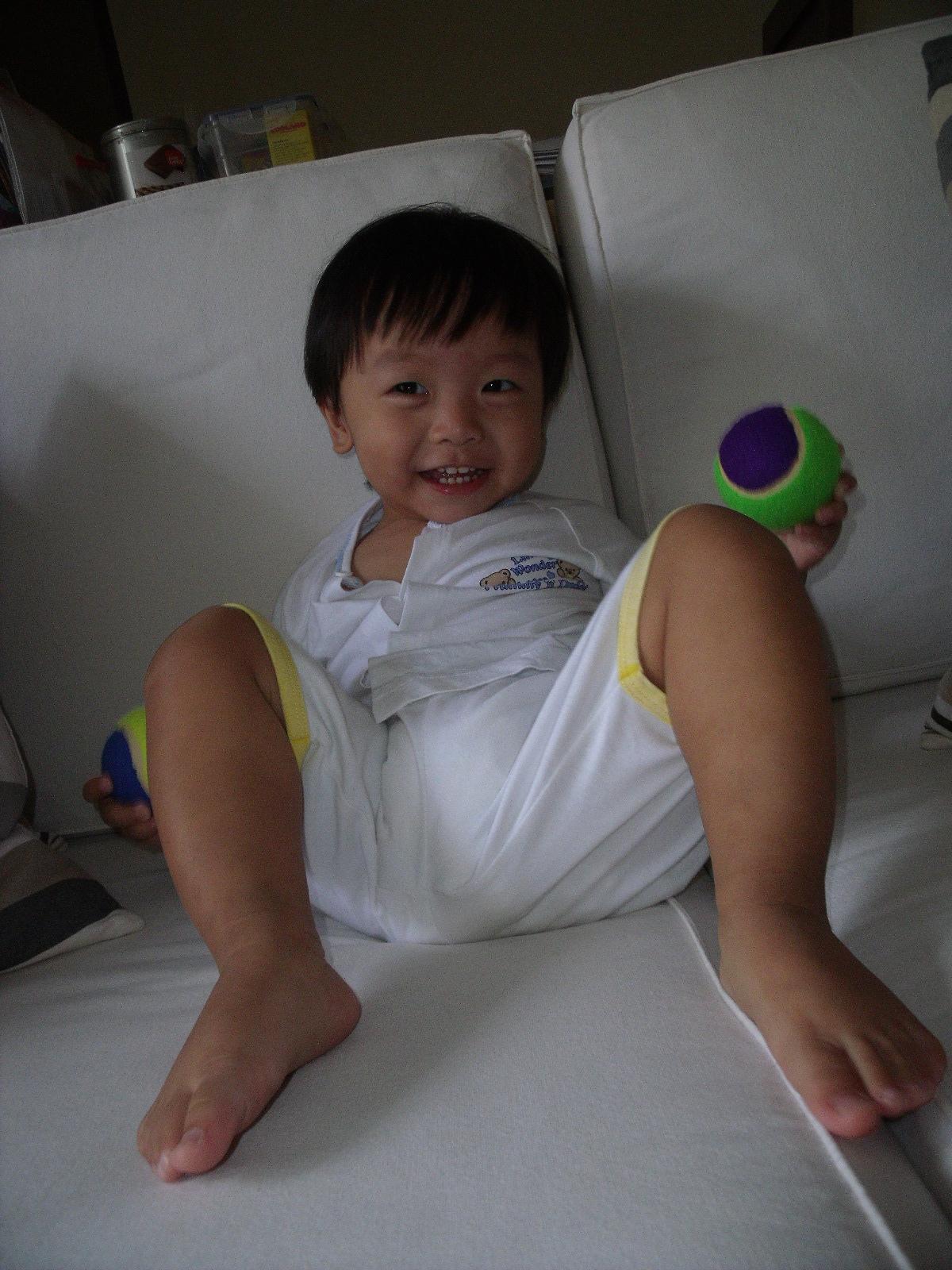 Aidan Choo : I am a BIG BIG boy!!: Dec 2010 - (Oops