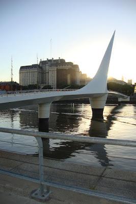 Ponte da Mulher, em Porto Madero, Buenos Aires - AR
