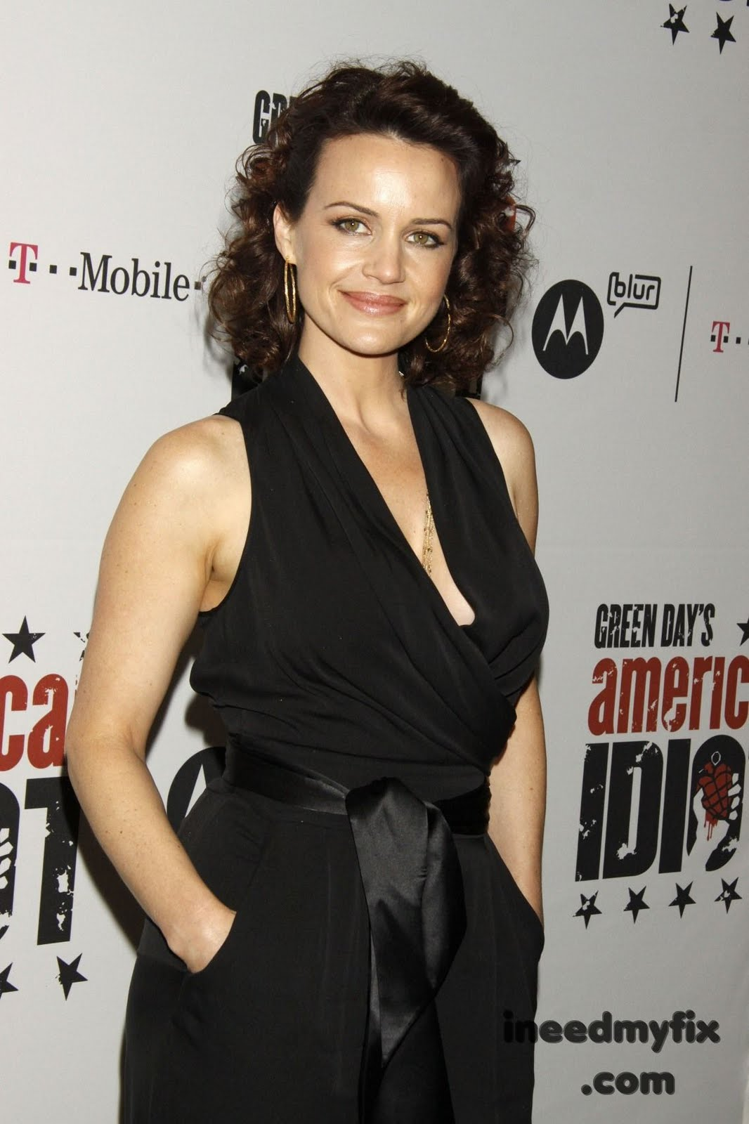 falcon crest blog  carla gugino at broadway opening