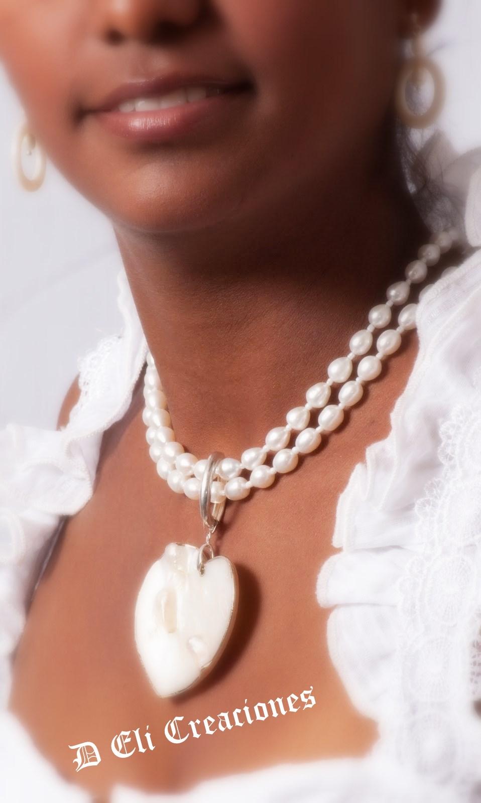 5089c0333cb7 D´Eli Creaciones  Collar perlas y nácar.