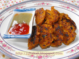 kobichi vadi, gobi pakoda, cabbage pakoda, cabbage fritters,restaurant style appetizers,desi restaurants, indian diet, fried food and health