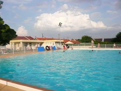 La piscine d 39 aulnois sous laon le grand bassin for Piscine de laon