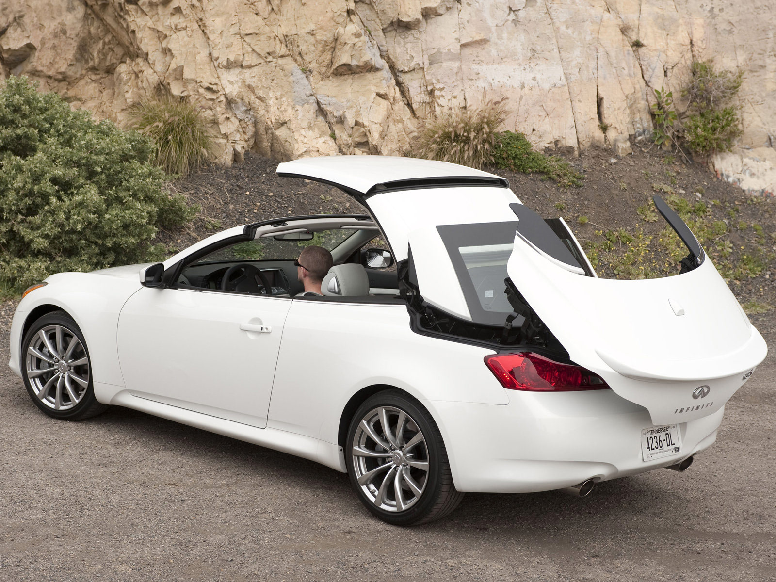 2009 infiniti g37 convertible car pictures accident lawyers. Black Bedroom Furniture Sets. Home Design Ideas