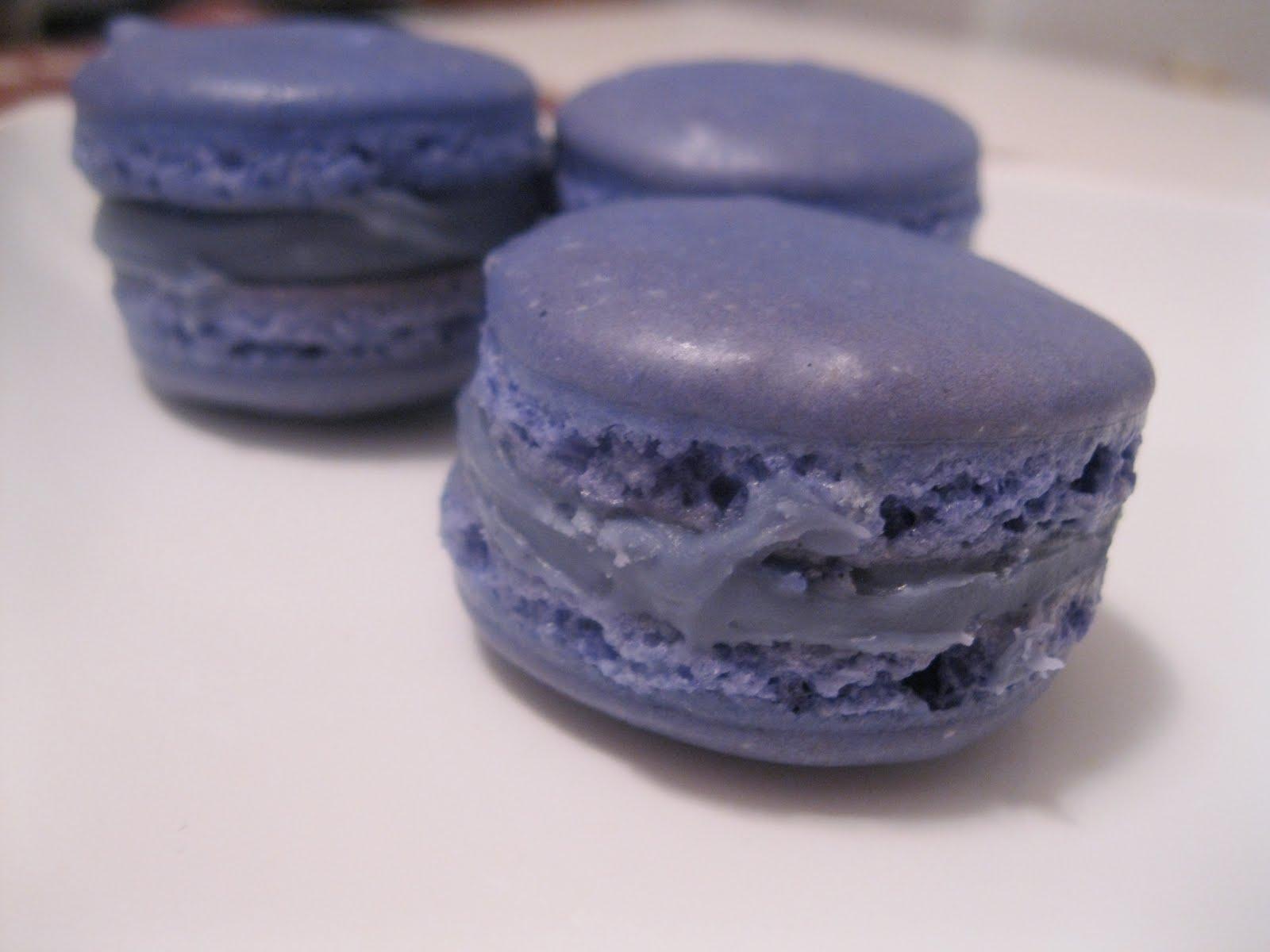The District Chocoholic: Vanilla-Lavender Macarons: Step ...
