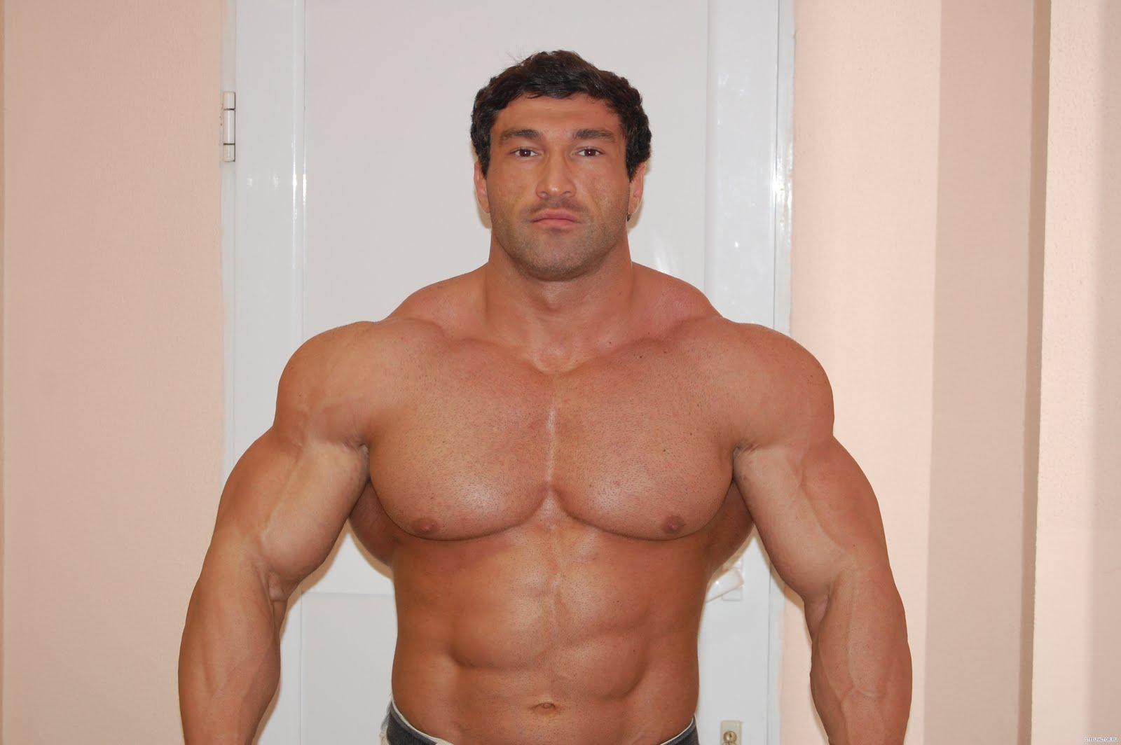 Muscle Lover: Russian bodybuilder Rames Tlyakodugov
