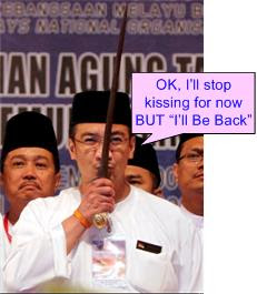Hishammuddin Keris-Man Apologize