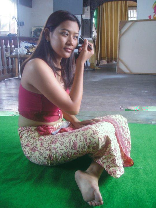 Gadis Bali Yang Jadi Model Lukisan Bugil Unik And HOT
