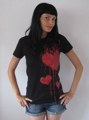 akumu ink, viste Adecuadamente, bleeding heart tshirt