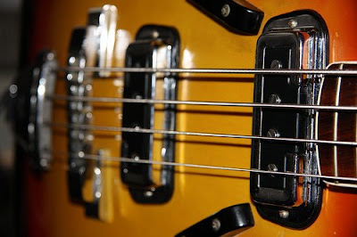 fender_coronado_bass,1966,guild_starfire,epiphone_rivoli,Roger_Rossmeisl,Rickenbacker,DeArmond_pickups,Wildwood,gibson_sg