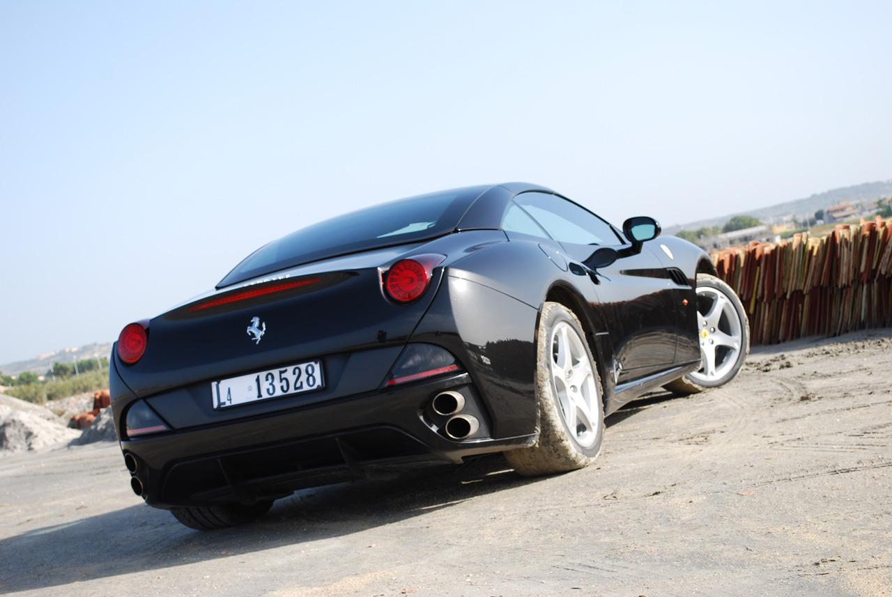2010 Ferrari California Roadster Wallpapers