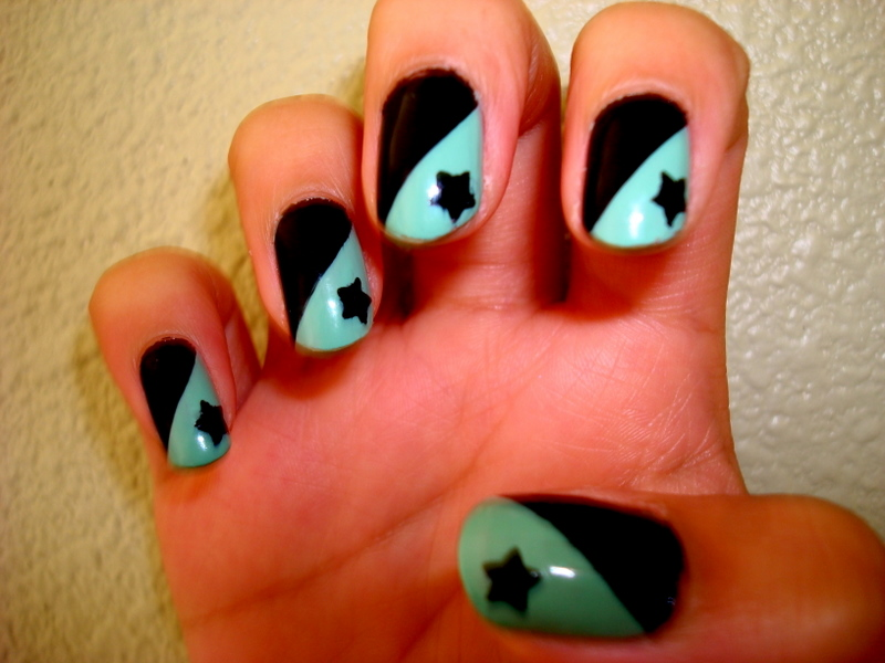 CrystaLs NaiL DesignS: MINT GREEN & BLACK with STARS