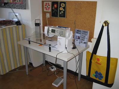 Laura patch mesa para la berni - Mesa para maquina de coser ikea ...
