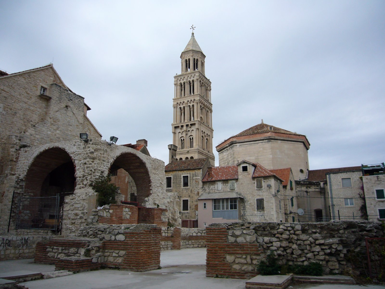 [Another+view+in+Diocletian]