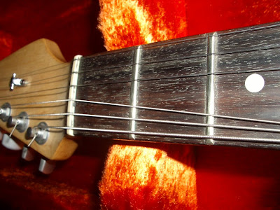 Guitar Snob: Intonation problems: might be something to fret about!!
