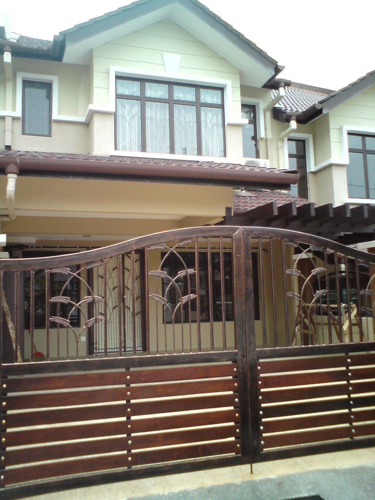 Pintu Pagar Rumah Banglo