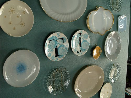 Plates On Wall In Dining Room Thrift Stores