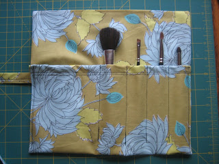 makeup brush carrier pattern and tutorial