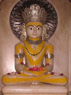 Main deity Mulnayak sri mahaveera swami at kolkata