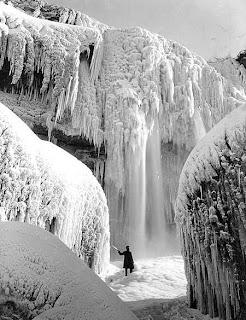 Cataratas do Niagara no Inverno - Beleza gelada
