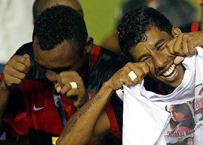 ... irritado com a derrota pro Mengão na final a5f8e6d6e0cab