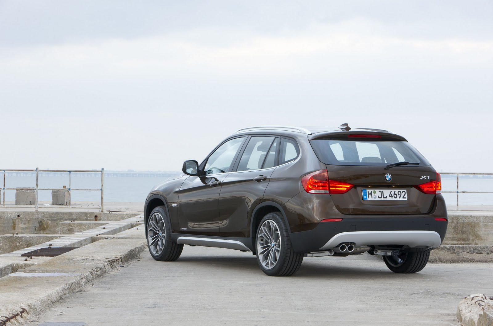 in4ride bmw x1 now in south africa. Black Bedroom Furniture Sets. Home Design Ideas