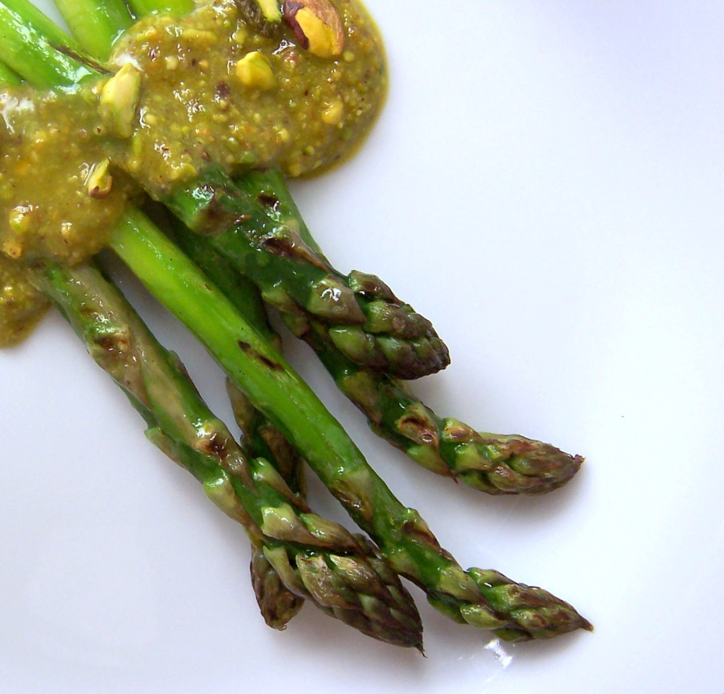 [pistachio+and+asparagus+fresh+approach+blog-1.jpg]