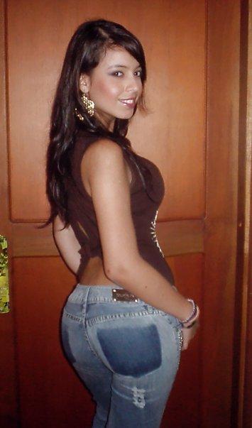 Nena sexy de colombia muestra su blanco cuerpo desnudo - 4 10