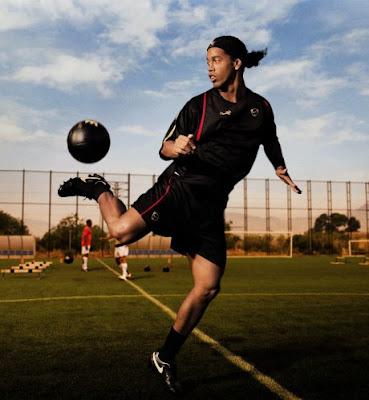 Ronaldinho Ac Milan. Nike- Ronaldinho AC milan Team