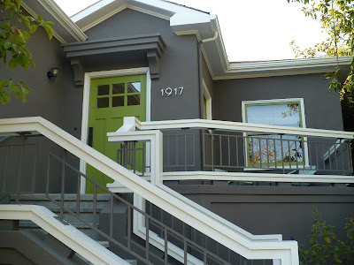 House voyeur bright and bold in berkeley - Bright paint colors for exterior house ...