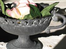 Den söta urnan är en favorit i Gårdsbutiken