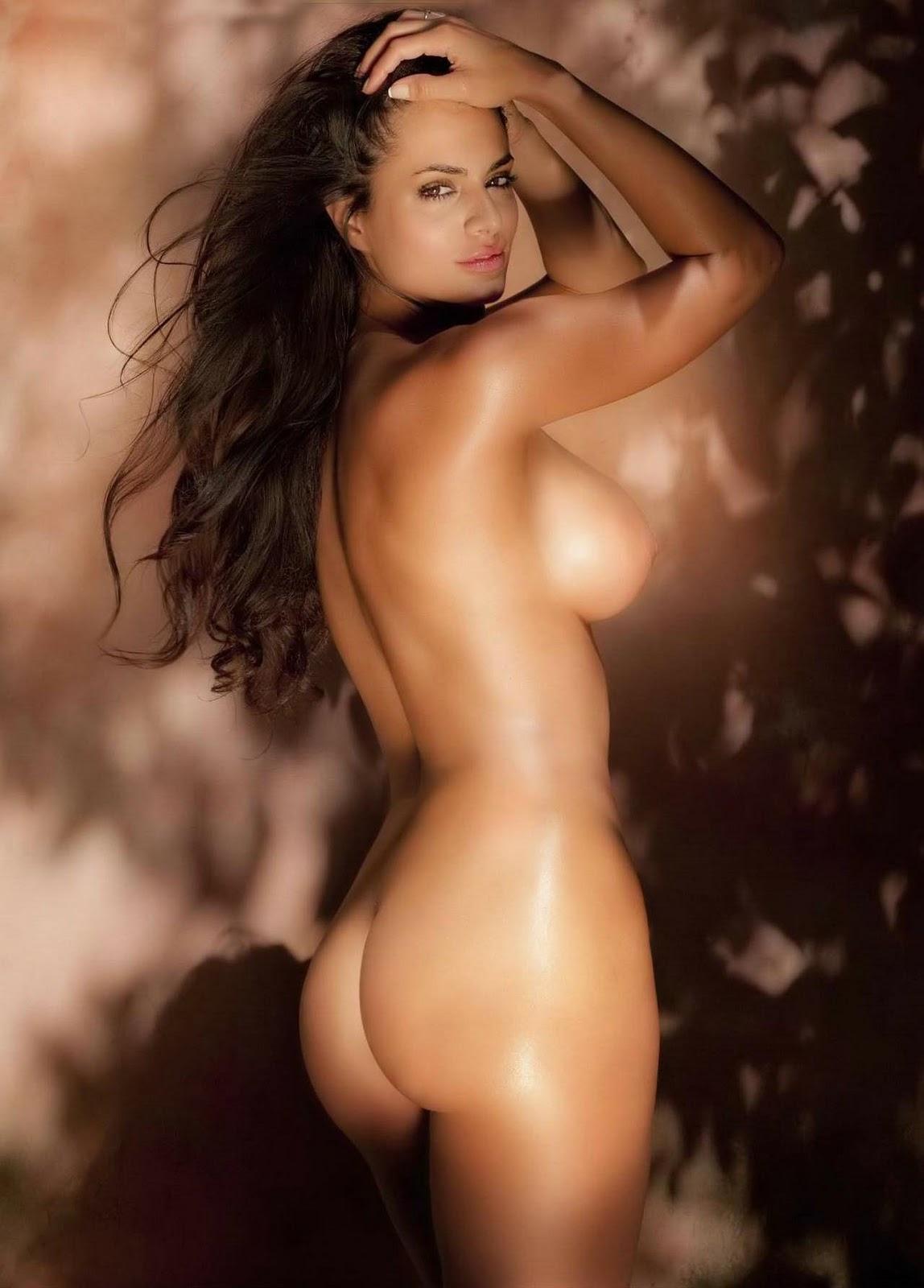 Amber Davis tits foto