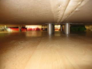 Foto onder m'n bed, mét flits.