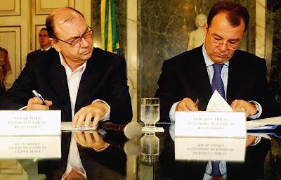 Cesar Maia vendo se Cabral assinou mesmo